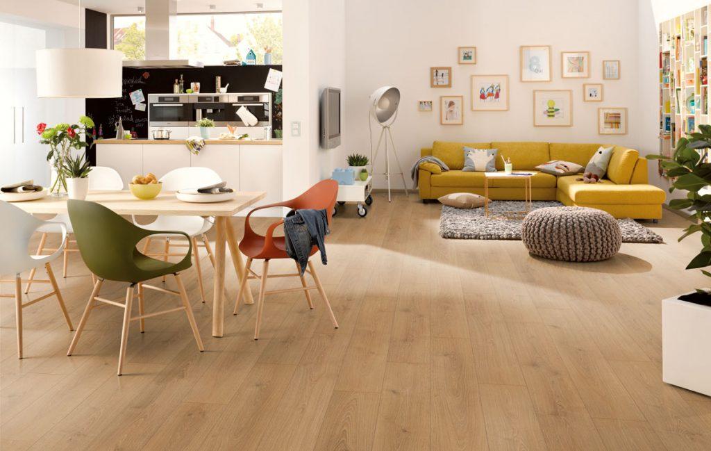Jak se z laminátové podlahy stala oblíbená podlaha